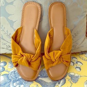 Old Navy Knot Sling Flats in Size 8